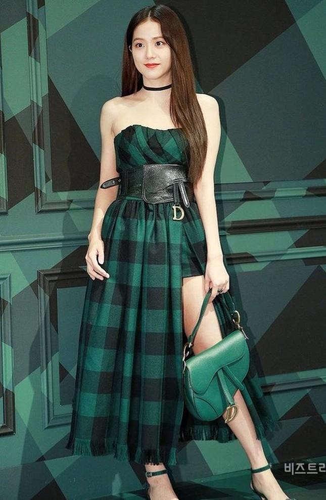 Là đại sứ danh phận cao nhất của Dior nhưng vì sao Jisoo chưa được hưởng đặc quyền này? ảnh 1
