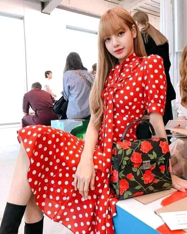 Bí quyết giúp Lisa nổi tiếng khắp thế giới nằm ở 3 show thời trang quốc tế này? ảnh 8