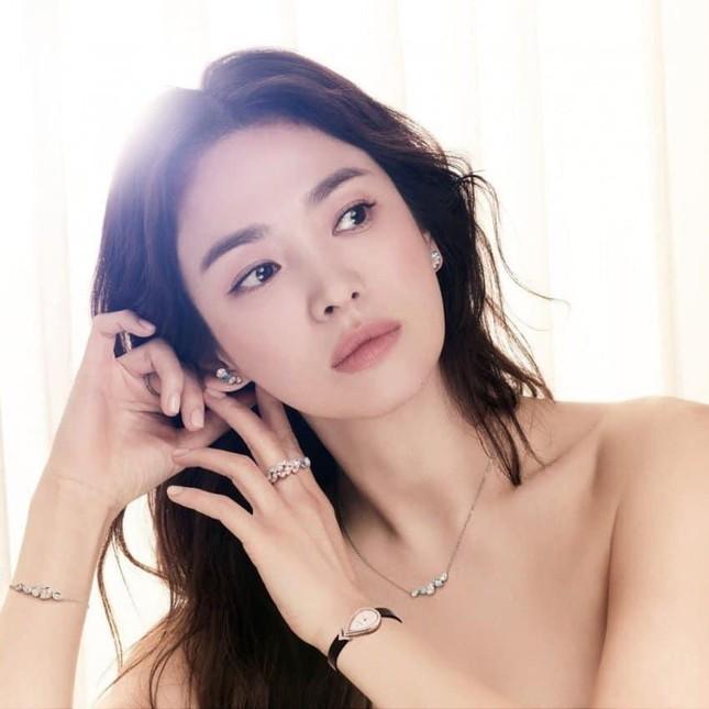 Ngược đời như Song Hye Kyo: Càng trang điểm nhẹ nhàng càng xinh đẹp hút hồn ảnh 4