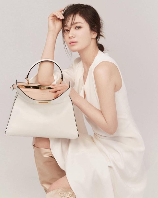 Ngược đời như Song Hye Kyo: Càng trang điểm nhẹ nhàng càng xinh đẹp hút hồn ảnh 6