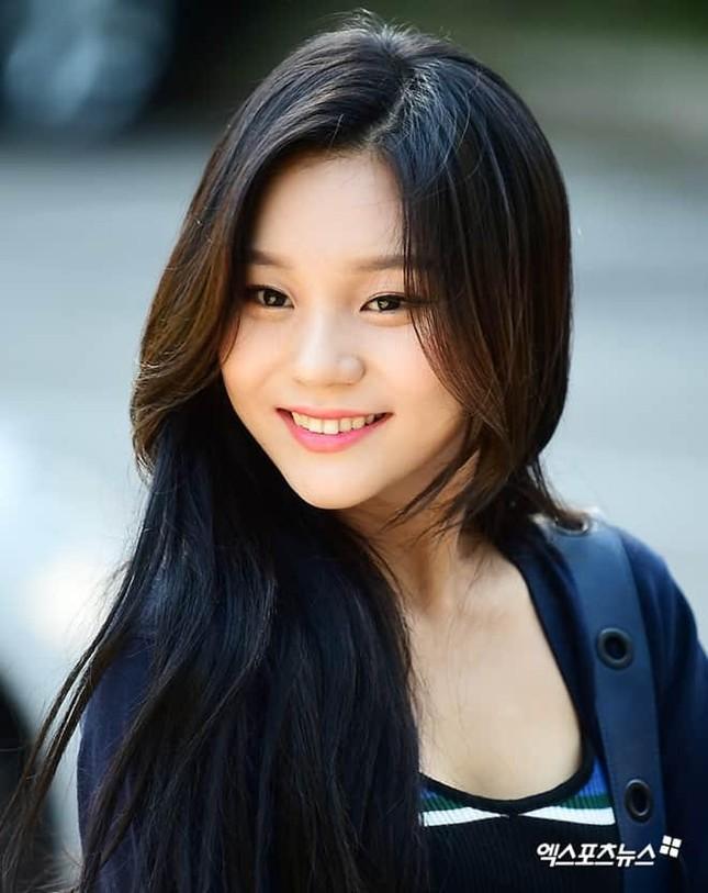 """Không thể ngờ đổi kiểu dáng lông mày lại giúp """"nữ idol xấu nhất K-Pop"""" xinh đẹp lộng lẫy ảnh 3"""