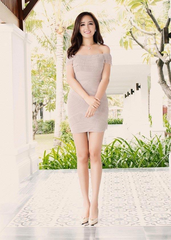 Những nàng Hậu sở hữu đôi chân dài nhất V-Biz: Kỷ lục đôi chân 1m22 thuộc về mỹ nhân nào? ảnh 7