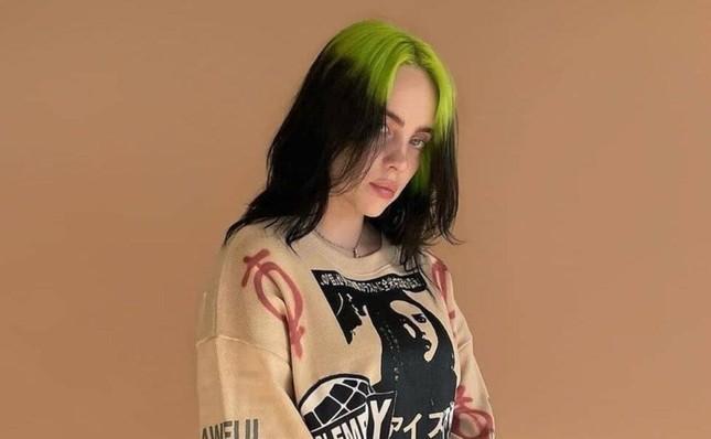 Billie Eilish tung ca khúc nhạc phim mới toanh, hát luôn tiếng Tây Ban Nha cực ngầu ảnh 3