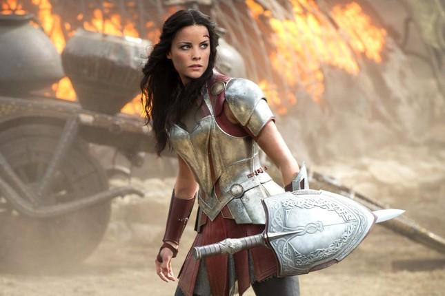 """""""Thor: Love and Thunder"""" khởi động với dàn cast đông không tưởng, chẳng khác gì Avengers ảnh 3"""