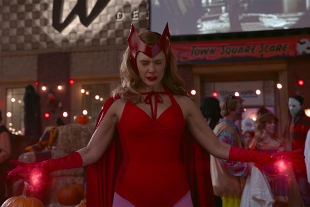 """Review """"WandaVision"""" tập 6: Scarlet Witch có thực sự """"nắm trùm"""" thị trấn Westview? ảnh 3"""