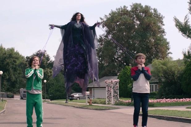 """Review """"WandaVision"""" tập 8: Scarlet Witch - Kẻ được sinh ra từ đau thương ảnh 7"""