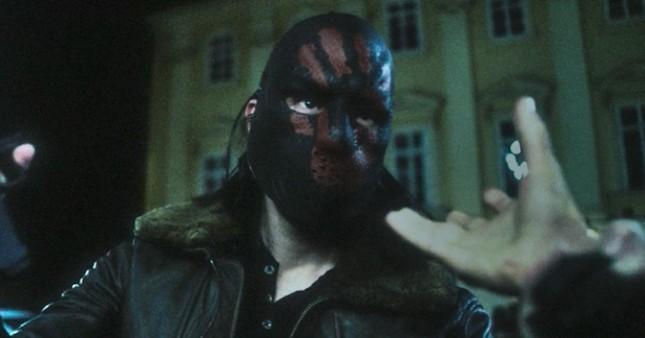 """""""The Falcon and the Winter Soldier"""" tập 1: Cú sải cánh hoành tráng tiếp nối """"WandaVision"""" ảnh 2"""