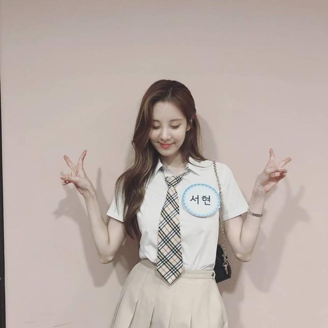Seohyun lộ diện là Blink chính hiệu, quảng bá phim vẫn nhớ gửi lời yêu thương đến SNSD ảnh 1