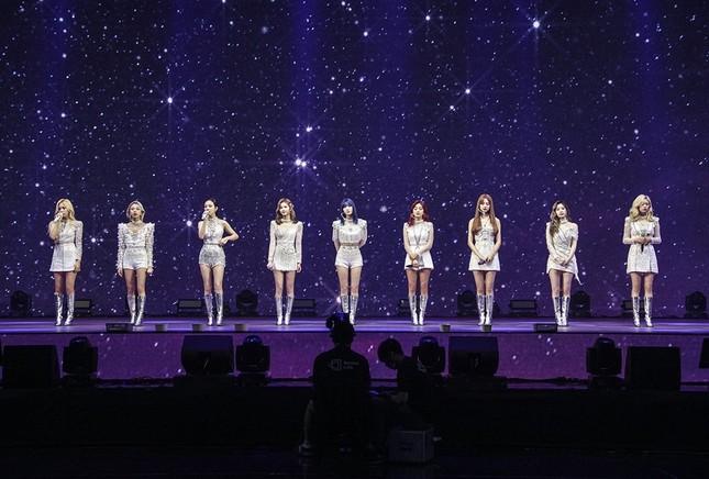 Gọi tên 3 nhóm nhạc K-Pop có concert online thu hút lượng người xem ấn tượng nhất năm 2020 ảnh 5