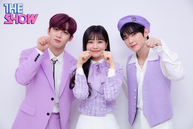 """Netizen không ngừng """"thả tim"""" cho bộ 3 MC mới toanh của """"The Show"""" ảnh 1"""
