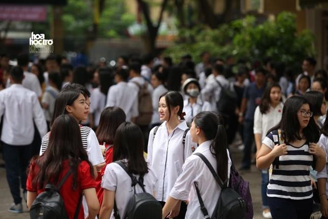Bộ GD&ĐT có phương án hủy kỳ thi THPT Quốc gia 2020, teen 12 phản ứng ra sao? ảnh 1