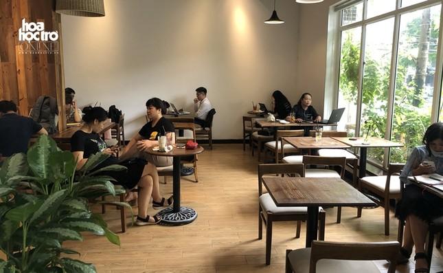 Hàng quán Hà Nội sau yêu cầu giãn cách: Nhiều quán quen của giới trẻ vắng khách ảnh 1