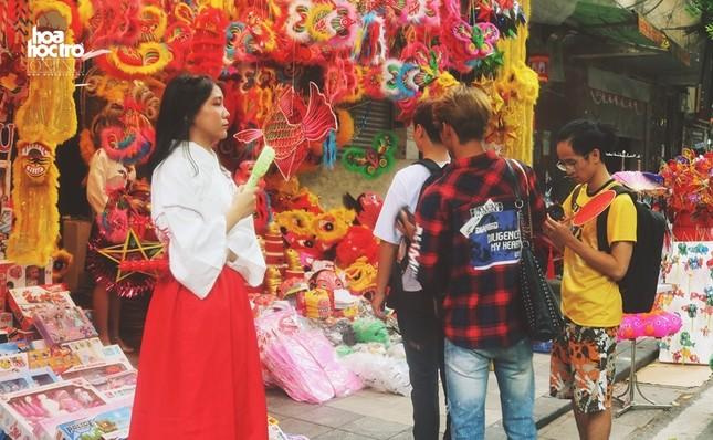 Trung Thu này muốn chụp ảnh trên phố Hàng Mã, teen sẽ mất phí 50.000 đồng/ lần? ảnh 3
