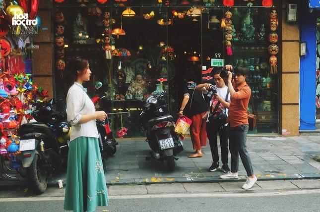Trung Thu này muốn chụp ảnh trên phố Hàng Mã, teen sẽ mất phí 50.000 đồng/ lần? ảnh 2