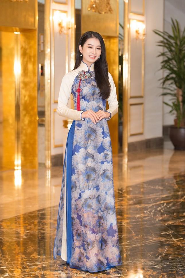 Hoa Hậu Việt Nam: Vừa lọt Top 30 phía Bắc, những cô nàng này đã gây chú ý nhờ học cực giỏi ảnh 3