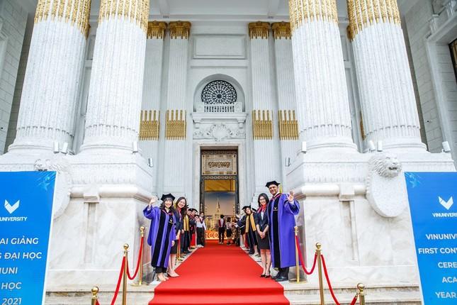 Lễ khai giảng đầu tiên ở trường Đại học VinUni đã diễn ra như thế nào? ảnh 1