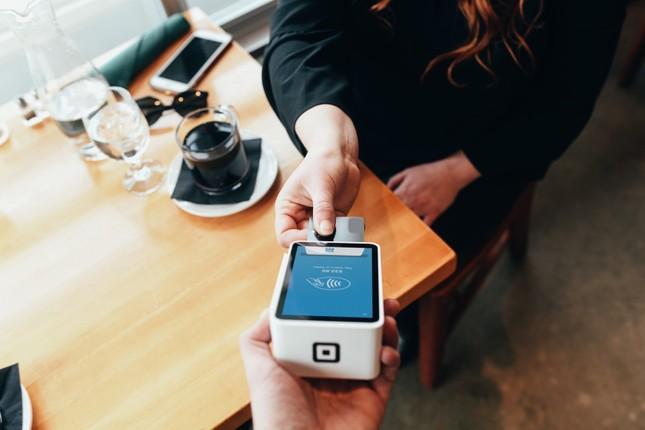 Kết thân với thẻ thanh toán, bạn đã bỏ túi ngay một tuyệt chiêu quản lý tài chính đơn giản ảnh 1
