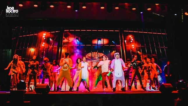 Dàn sao Rap Việt đổ bộ sân khấu CK Ngày Hội Anh Tài 2020, cái kết mãn nhãn cho Vương Khôi ảnh 1