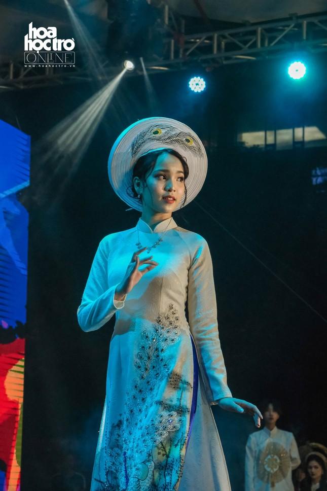 Dàn sao Rap Việt đổ bộ sân khấu CK Ngày Hội Anh Tài 2020, cái kết mãn nhãn cho Vương Khôi ảnh 9
