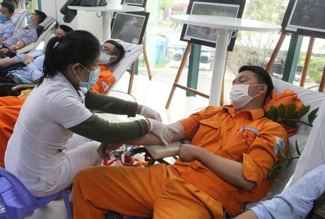 Xúc động trước những khoảnh khắc hiến máu cứu người trong hành trình Chủ Nhật Đỏ 2021 ảnh 5