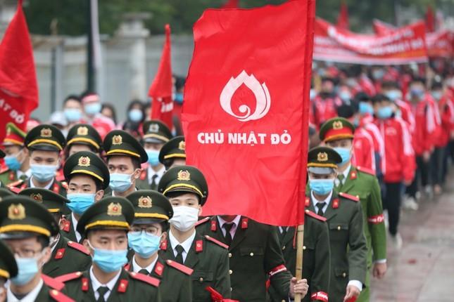 Sinh viên Hà Nội hào hứng tham gia hiến máu trong ngày hội Chủ Nhật Đỏ 2021 ảnh 2