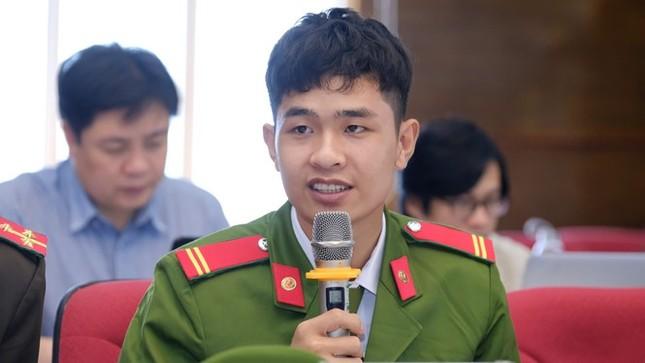 """Chiến sĩ cứu hỏa trong đề cử Gương mặt trẻ Việt Nam tiêu biểu: """"Sẵn sàng vì dân quên mình"""" ảnh 1"""