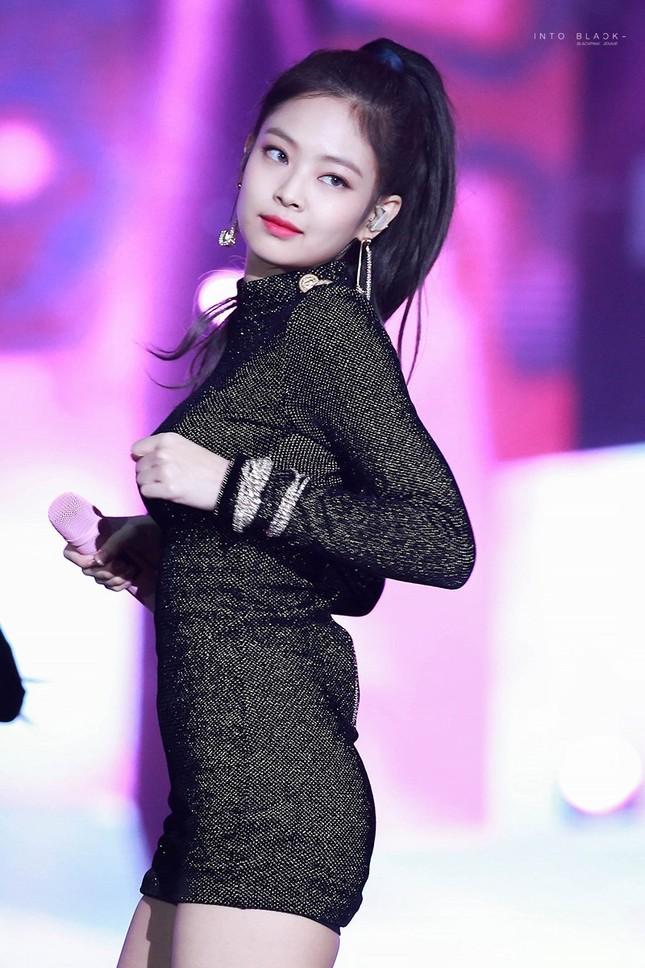 """Váy bodycon - """"vũ khí bí mật"""" để khoe trọn thân hình quyến rũ của các nữ thần K-Pop ảnh 1"""
