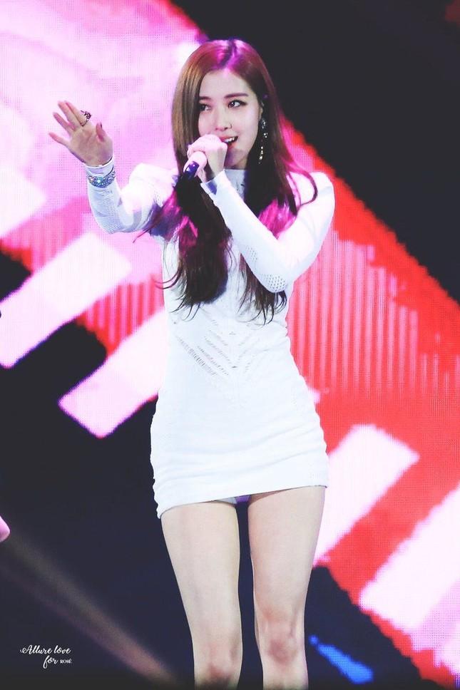 """Váy bodycon - """"vũ khí bí mật"""" để khoe trọn thân hình quyến rũ của các nữ thần K-Pop ảnh 3"""