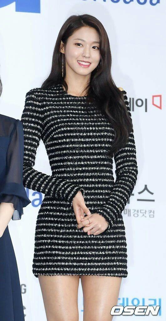 """Váy bodycon - """"vũ khí bí mật"""" để khoe trọn thân hình quyến rũ của các nữ thần K-Pop ảnh 7"""