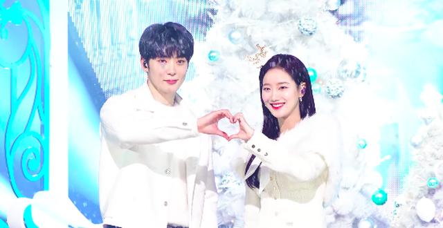 Naeun (April) dính tin đồn hẹn hò với hai nam idol cùng lúc vì ảnh hoa anh đào ảnh 2