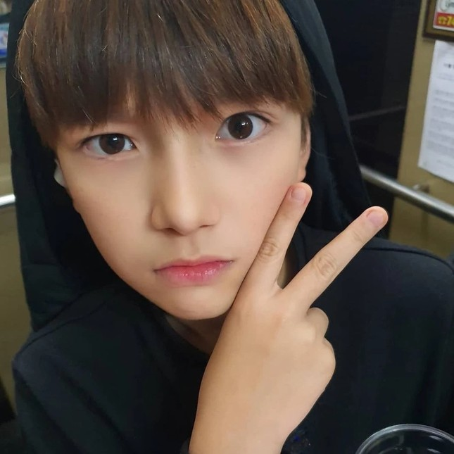 """Thực tập sinh 11 tuổi nhà SM khiến fangirl chỉ biết thốt lên: """"Bé ơi lớn nhanh chị chờ!"""" ảnh 2"""