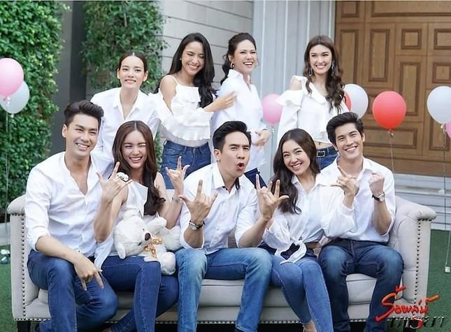 Để phòng tránh COVID-19, Thái Lan cấm quay cảnh yêu đương, đến đánh nhau cũng không được ảnh 1