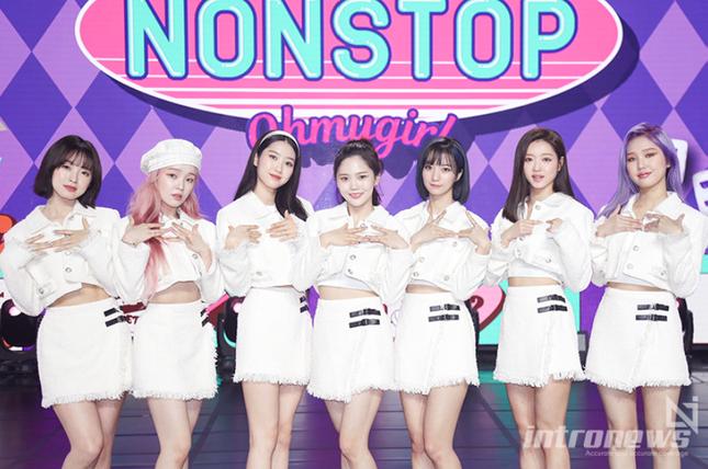 Thêm lý do để fan nổi cáu với nhà YG: BLACKPINK rớt khỏi Top 3 nhóm nhạc hàng đầu K-Pop ảnh 2