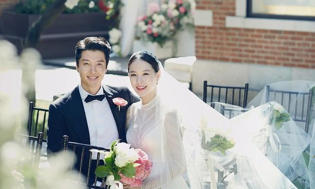 Sốc: Lee Dong Gun, bạn trai cũ của Jiyeon (T-ara) ly hôn vợ sau 3 năm chung sống ảnh 2