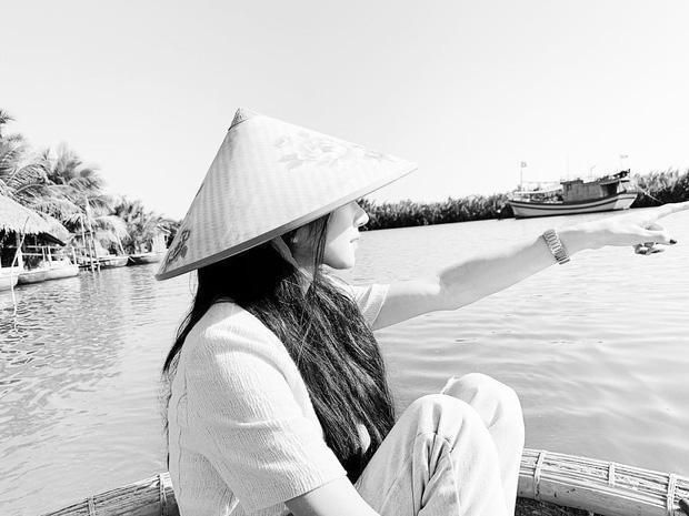 Ngất ngây trước bộ ảnh du lịch Hội An đẹp như chụp tạp chí của Seo Ye Ji ảnh 1