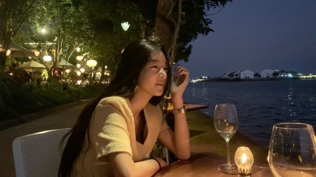 Ngất ngây trước bộ ảnh du lịch Hội An đẹp như chụp tạp chí của Seo Ye Ji ảnh 5