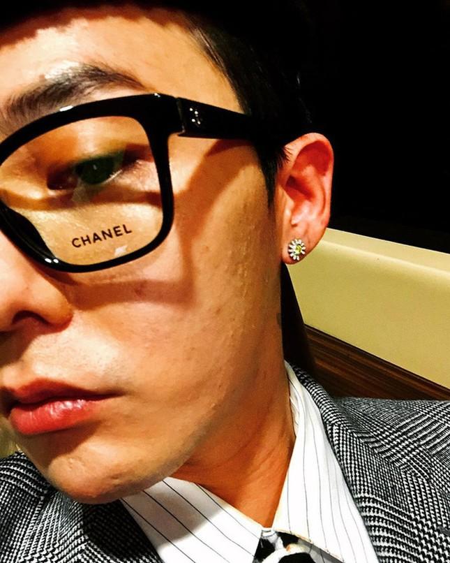 Đỉnh như G-Dragon: Chụp selfie khoe mặt mụn cũng sắp thành xu hướng mới ảnh 3