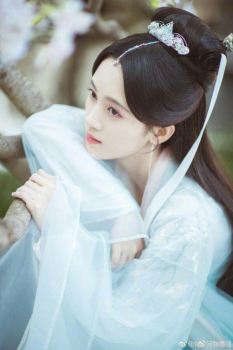 """Nổi tiếng chưa lâu, """"mỹ nữ 4000 năm"""" Cúc Tịnh Y đã liên tục bị tố mắc bệnh ngôi sao ảnh 3"""