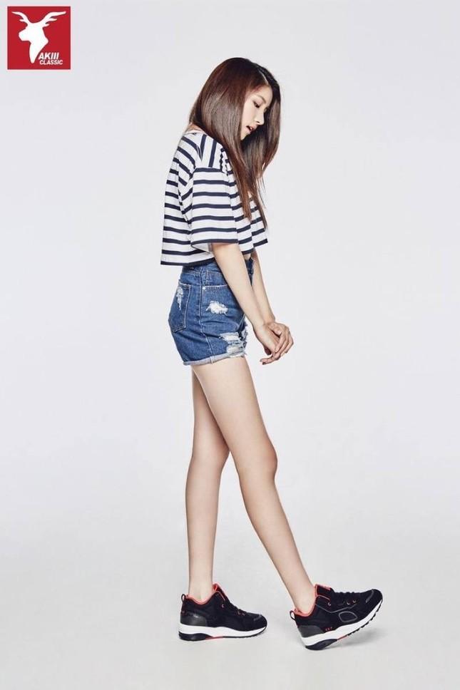 Không phải Sooyoung (SNSD), đây mới là idol nữ sở hữu đôi chân dài nhất K-Pop! ảnh 2