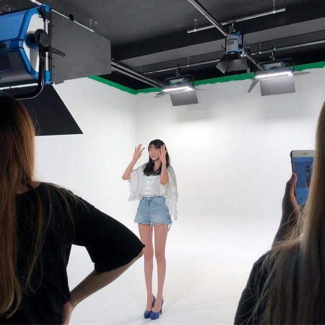 Không phải Sooyoung (SNSD), đây mới là idol nữ sở hữu đôi chân dài nhất K-Pop! ảnh 8