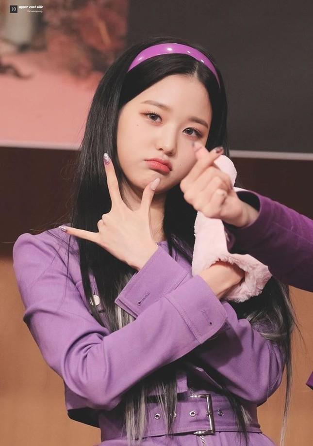 """Ngoài chân dài như """"Thủy thủ Mặt Trăng"""", Jang Won Young (IZ*ONE) còn có 2 bàn tay cực phẩm ảnh 6"""