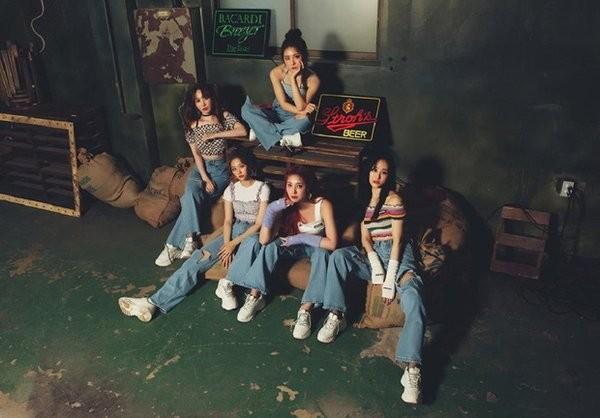 Tân binh số nhọ nhất K-Pop hóa ra lại là vũ công phụ họa của BLACKPINK ảnh 4