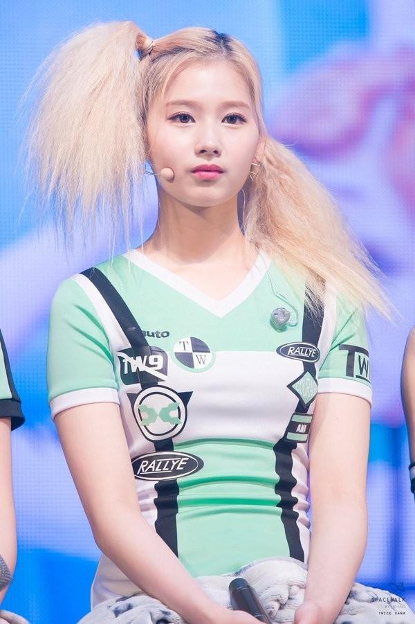 Nhìn kiểu tóc mới khó đỡ của ITZY mà netizen chỉ muốn sa thải ngay stylist công ty JYP ảnh 7
