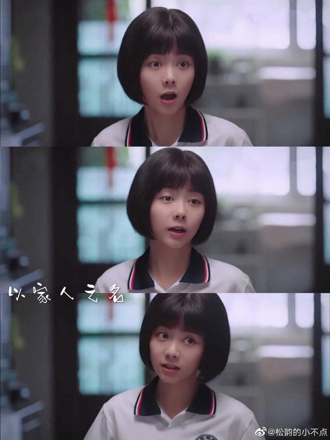 """Vì sao các """"nữ thần thanh xuân"""" phim Hoa ngữ đều chọn kiểu tóc quen thuộc này? ảnh 2"""