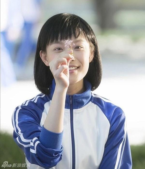 """Vì sao các """"nữ thần thanh xuân"""" phim Hoa ngữ đều chọn kiểu tóc quen thuộc này? ảnh 4"""