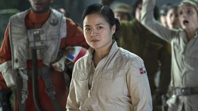 Hết làm người hùng không gian, nữ diễn viên gốc Việt lại trở thành chiến binh Disney ảnh 1