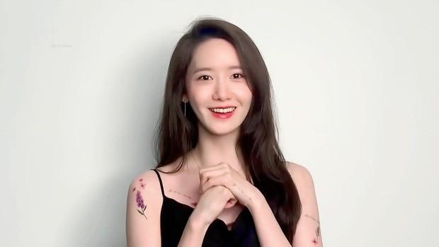 Làm nữ thần K-Pop quá lâu, Yoona (SNSD) chỉ khoe hình xăm dán cũng không được chấp nhận ảnh 4