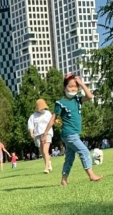 Đại minh tinh châu Á Song Hye Kyo khiến mạng xã hội Hàn Quốc náo loạn chỉ vì 1 tấm ảnh ảnh 1