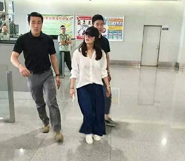 Đại minh tinh châu Á Song Hye Kyo khiến mạng xã hội Hàn Quốc náo loạn chỉ vì 1 tấm ảnh ảnh 5