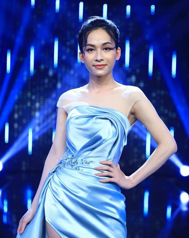 """Băng kín mặt đi thi người mẫu, đâu ngờ Hà An """"Người Ấy Là Ai"""" gặp tác dụng ngược ảnh 1"""